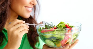 Take Healthy Diet to Get Lighter and Glowing Skin Naturally